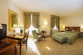 98354_004_Guestroom
