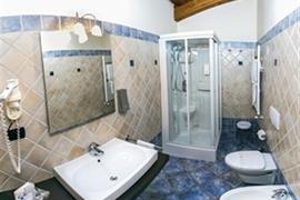98354_005_Guestroom