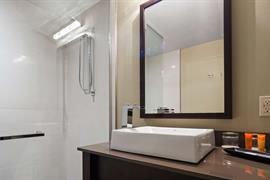 67027_006_Guestroom