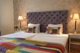 88158_002_Guestroom