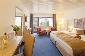 95209_002_Guestroom