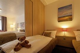 95209_004_Guestroom