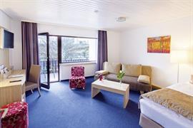 95209_005_Guestroom