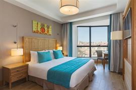 93840_005_Guestroom