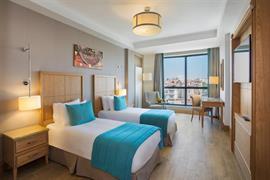 93840_006_Guestroom