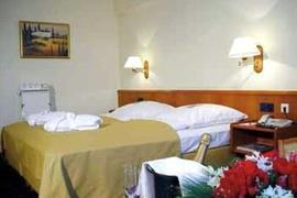 95187_001_Guestroom