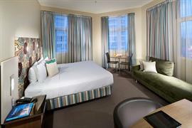 97207_001_Guestroom