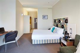 97207_005_Guestroom