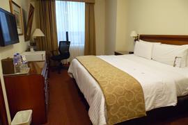 70405_006_Guestroom