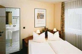 95216_001_Guestroom