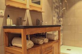 93850_005_Guestroom
