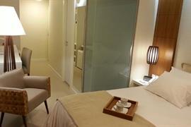 77109_000_Guestroom