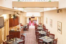 39080_006_Restaurant