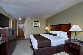 47092_002_Guestroom
