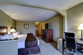 47092_006_Guestroom