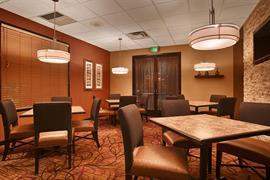 05655_002_Restaurant