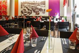 88138_005_Restaurant