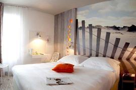 93774_002_Guestroom