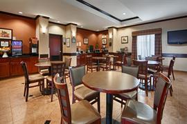 44635_006_Restaurant