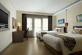 99043_002_Guestroom