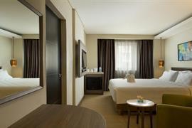 99043_006_Guestroom
