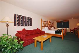 13047_006_Guestroom