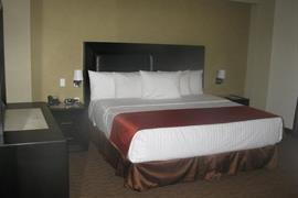 70268_005_Guestroom