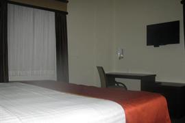 70268_006_Guestroom