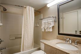 21029_004_Guestroom