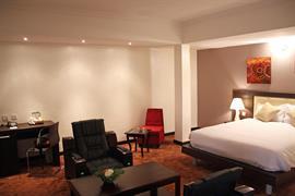 75402_001_Guestroom