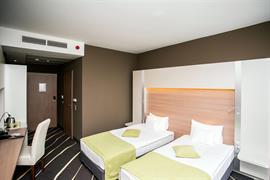 89318_006_Guestroom