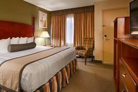 37105_007_Guestroom