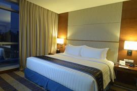 99028_002_Guestroom