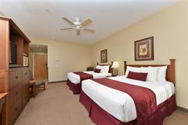 13057_007_Guestroom