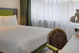london-croydon-hotel-bedrooms-06-84209