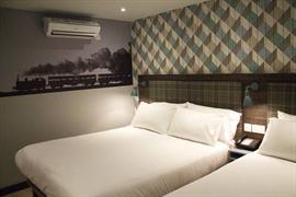 london-croydon-hotel-bedrooms-01-84209