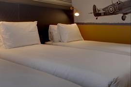 london-croydon-hotel-bedrooms-15-84209