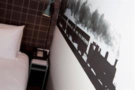 london-croydon-hotel-bedrooms-18-84209