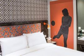 london-wembley-hotel-bedrooms-02-84216