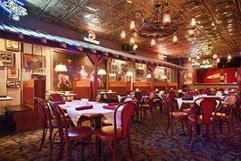 16071_004_Restaurant