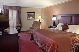 44499_002_Guestroom