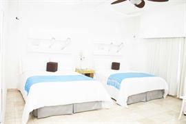 70192_007_Guestroom