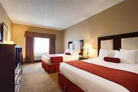 14185_006_Guestroom