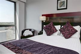 maldron-hotel-bedrooms-06-83541
