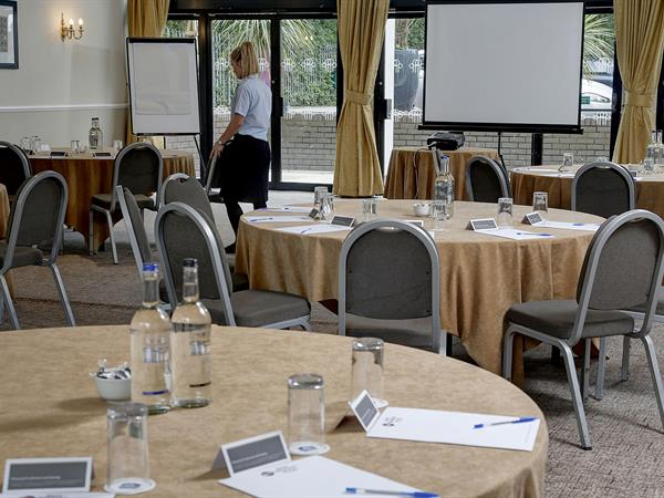 pinewood-hotel-meeting-space-14-83933