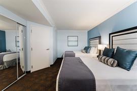 05732_001_Guestroom