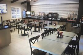 05732_007_Restaurant