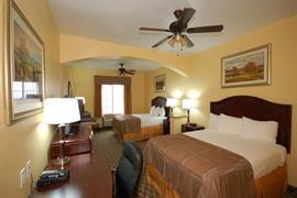44637_005_Guestroom