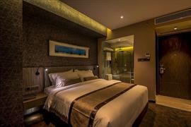 76803_006_Guestroom