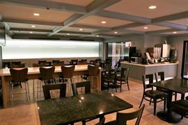 05686_004_Restaurant